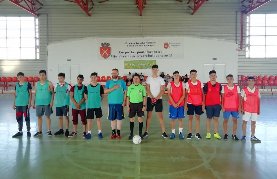 Echipa Parohiei Feredeni și echipa Parohiei Șendreni în faza grupelor (2-0)